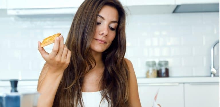 How to Stop Snacking and Start Losing Weight